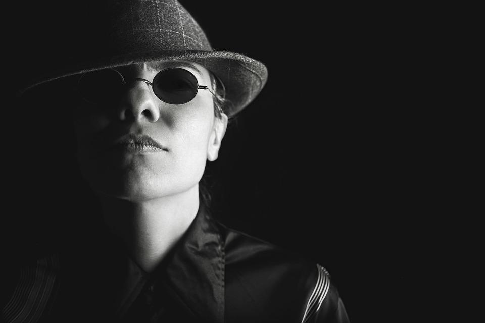 private investigator undercover